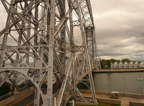aerial lift bridge duluth