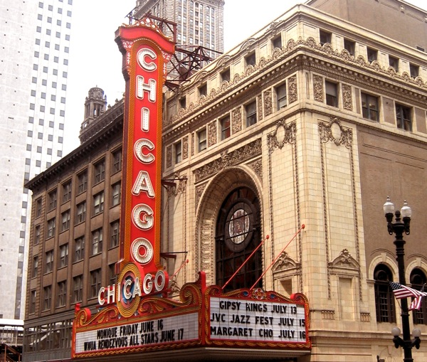 chicago-theatre-landmark