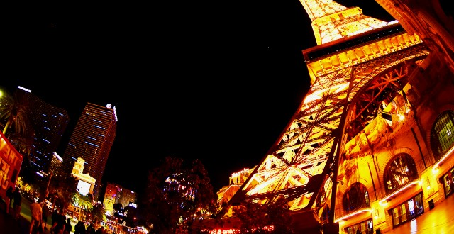 Eiffel-Tower-Paris-Las-Vegas-Hotel